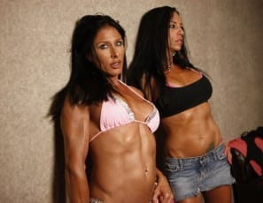 Professional female bodybuilders Willa & Fern