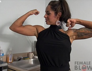 Female muscle porn star Bobbi's neighbor visits to borrow some sugar, but they both get something sweeter when he admires her muscular, tattooed biceps, pecs, glutes, legs and she gets naked, masturbates, and gives him a blow job. Who needs carbs when you can get Female Muscle Sex?