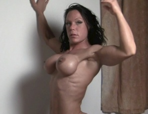 Ripped female bodybuilder Bella wakes up and masturbates, playing with her own pecs, and posing as she strokes her big, vascular biceps and tight abs. Then her man eats out her pussy and sucks on her big clit. She gives him a blow job and they 69 so he can look at her muscular glutes, legs and ass in close-up during the muscle porn sex. And so can you.