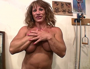 Wildkat loves working out, and she loves getting a massage after working out even better. She says that she forgets how wet she gets when she gets a massage and we think she means from the oil she rubs all over her biceps, legs, and glutes. Then again, once she gives us a close-up of her big clit we aren't so sure!