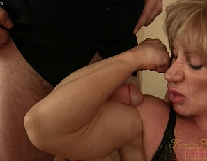 Wildkat continues to flex her massive biceps, even allowing the wimpy photographer to muscle fuck them. He is not worthy! This video also includes a calf job and other muscle sex wonders.