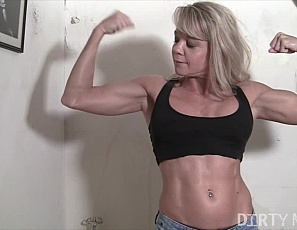 Mandy K invites you into her room to show off her biceps, abs and legs. She decides to show you A LOT more than you were expecting - taking off her pants and showing off her sexy pantyhose. You get plenty of close ups of Mandy's pussy - and when she rips her pantyhose off you get to watch her rub her clit as well.