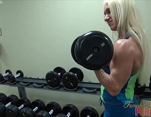 Female bodybuilder Ashlee Chambers is training in the gym and posing to show off her big, vascular biceps, ripped abs and muscular pecs, legs and glutes, when she and a new friend decide to do cardio together. Both of them get a great workout when he licks and sucks her big clit. See the female muscle porn in close-up.