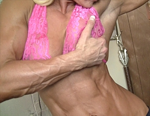 Every muscle of female bodybuilder Carmen's body is ripped, from her vascular biceps, pecs and abs to her glutes, legs, and calves. Watch as she trains and poses in the gym and you'll see why.
