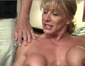 Female bodybuilder WildKat has one fan club member get her favorite toy and another penetrate her with it and lick and suck her big clit. Then the whole fan club joins in for some muscle worship and group sex – masturbation, hand jobs, and blow jobs – while you, and they, enjoy Kat's pecs, biceps, abs, legs and glutes and all the porn in close-up.