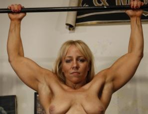 Bodybuilder Genie Nude Photos