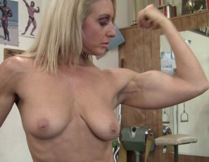Professional female bodybuilder Tanya works out and poses nude in the gym, showing you her vascular biceps, ripped abs, powerful pecs and muscular legs and glutes, That's a super set of muscles.